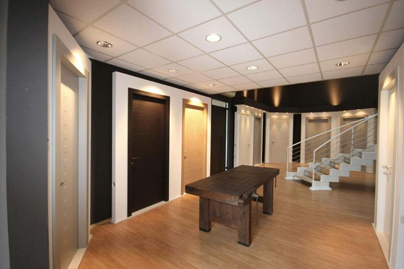 Show room porte e serramenti ruaro sas - Showroom porte e finestre ...